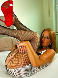 Naughty Dutch housewife getting herself wet