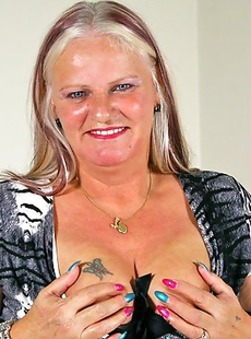 Horny chubby mature lady playing with herself