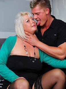 Chubby housewife doing the guy next door