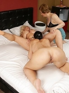 mature lesbian pary