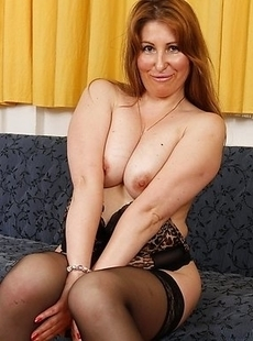 Hot housewife playing with herself