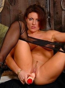 Hot pantymom Jenny is horny as hell
