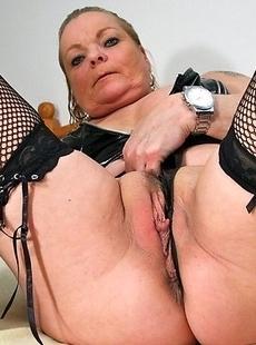 Naughty mature slut getting wet and wild