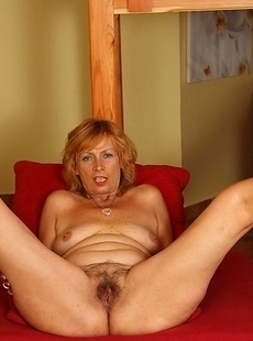 Horny houseiwife sucking and fucking hard