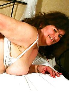 Big Dutch housewife playing with herself
