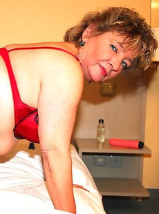 This German housewife gets very frisky