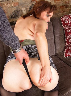 Naughty mature lady leaving you breathless