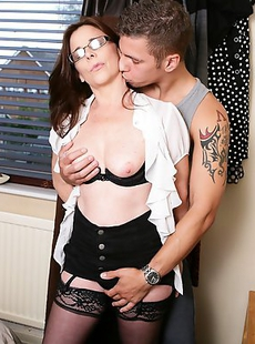 Naughty UK housewife getting lucky