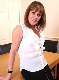 This naughty mature slut is having sex with her lover