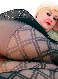 Big Germans mature lady getting ready for dirty stuff